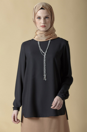 Armine Women's Blouse With a Necklace Accessory - 9K3741